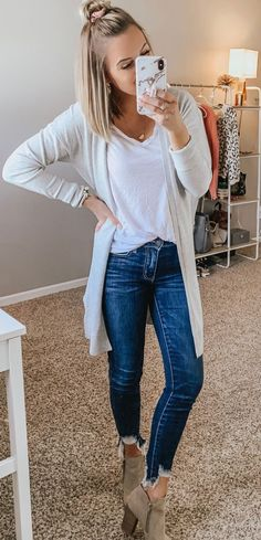 flawless spring outfits to copy now 40 ~ telo. - - flawless spring outfits to copy now 40 ~ telo… – – Source by Mode Outfits, Jean Outfits, Casual Outfits, Fashion Outfits, Womens Fashion, Lit Outfits, Black Outfits, Fashion Blogs, Fashion Quotes