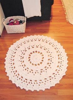 Crochet rug  kaksneljaseitteman.blogspot.fi