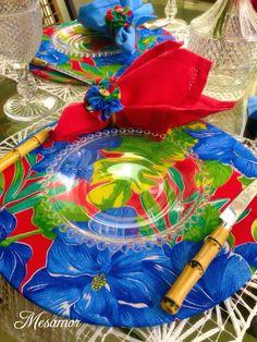 COLEÇÃO DE VERÃO - FESTIVAL DA CHITA Gostou? Adquira já o seu! Escolha sua capa para sousplat, porta guardanapo, guardanapo, jogo americano e monte uma linda mesa! /whatsapp 11 993616170 Simone/mesamor@live.com Napkin Rings, Tablescapes, Napkins, Table Settings, Tableware, Beautiful, Sewing, Arts And Crafts, Diy And Crafts