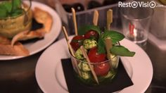 Le restaurant Chai Muraz par sa décoration rétro, mêlant le charme des bistrots provinciaux et des cavistes à réussi un mélange détonnant http://www.restovisio.com/restaurant/chai-muraz-5097.htm