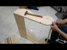 How to make a wonderful and easy Futoy or Canopy book part Decorating a … – Designs Ideas Diy Furniture Chair, Painting Wooden Furniture, Diy Sofa, Diy Pallet Furniture, How To Make Sofa, Living Room Sofa Design, Sofa Frame, Wood Sofa, Banquette