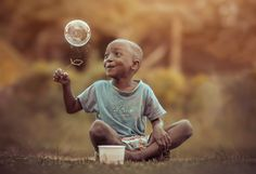 Beauty and awe is in the eyes of the beholder for even a bubble can be the most beautiful thing in the world to a child.  ✿.。.:* *.:。✿*゚