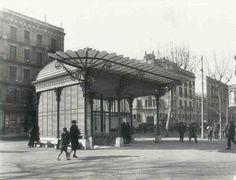La glorieta del metro de la plaça Urquinaona (1927), desapareguda l'any 1972