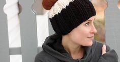 Messy Bun Hat knitting pattern by blogger Gina Michele. Perfect for runners and anyone into outdoor activities!