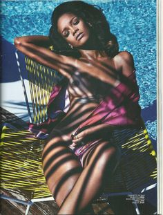 Rihanna did a nice spread with French Magazine, Lui. We all know Rihanna has always been one that is comfortable with her body. We must warn you, these photos are definitely NOT SAFE FOR WORK! Photos Rihanna, Rihanna Cover, Rihanna Style, Rihanna Fenty, Rihanna 2014, Rihanna Photoshoot, Rihanna Fashion, Mario Sorrenti, Stars Nues
