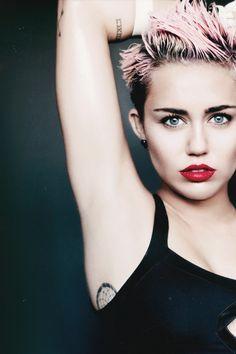 Miley Cyrus, gorg