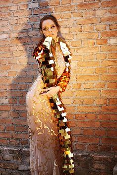 Editorial - Joia Oculta ____________________________  Por traz de cobertura, religião e crença. Mulher.  Criação: Bárbara Ganzarolli Fotografia: Ronaldo Coutinho Maquiagem: Rone Filho  ____________________________