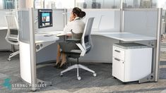 Impart the image of a forward-thinking, innovative brand with these modular curved workstations. Incorporating this cool modern office design will add new life to your open office areas. Staples Office Furniture, Affordable Office Furniture, Black Office Furniture, Executive Office Furniture, Commercial Office Furniture, Office Furniture Design, Home Office Design, Office Desks, Office Table