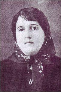 #Parvin_E'tesami (March 16, 1907 – April 5, 1941), also Parvin Etesami, was a 20th-century Persian poet of Iran. According to Ali Akbar Dehkhoda, her given name was Rakhshanda. Parvin E'tesami was born in 1907 in Tabriz to Mirza Yusuf Etesami Ashtiani (E'tesam-al-Molk), who in turn was the son of Mirza Ebrahim Khan Mostawfi Etesam-al-Molk. Mirza Ebrahim Khan Mostawfi Etesam-al-Molk was originally from Ashtiyan, but moved to Tabriz.