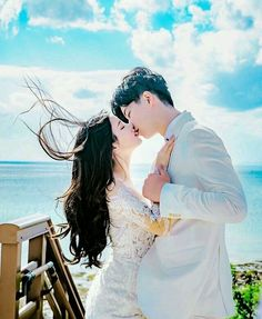 Korean Couple Photoshoot, Pre Wedding Photoshoot, Wedding Poses, Wedding Couples, Korean Wedding Photography, Couple Photography, Ulzzang Couple, Couple Outfits, Cute Couples Goals