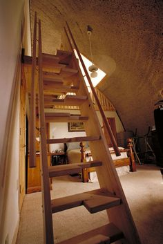 """Width on each step alternates from left to right. This enables the staircase to be much steeper, almost like a ladder, and still """"feel"""" like a regular staircase when climbing or descending."""