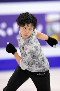 練習する宇野昌磨=白井伸洋撮影 (2015年12月10日)