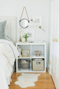 Small Bedroom Furniture Ideas That Are Big in Style - Page 18 of 58 - My Lovely Home Design Kallax Shelf Unit, Shelf Units, Kallax Shelving, Tv Units, Shelving Units, Wall Units, Storage Shelving, Room Ideas Bedroom, Diy Bedroom