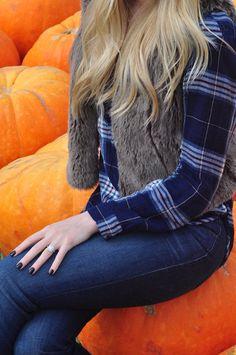 #FallOutfit #Fall #FurVest #Plaid #Fashion #FashionBlog #FashionBlogger #FallFashion