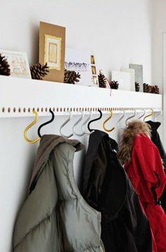 Brilliant & Beautiful: 5 New Ways to Hang Coat Hooks – Coat Hanger Design Diy Coat Hooks, Diy Hooks, Hanger Hooks, Coat Hanger, Coat Racks, Decorative Coat Hooks, Diy Coat Rack, Coat Hooks On Wall, Hallway Coat Rack