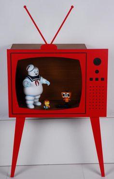 Estante Silhueta Tv Vermelho - Studio Quadrante Design