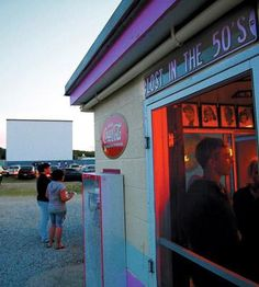 Cherry Bowl Drive In Theater, Honor, Michigan (Traverse Bay area)  Love the old school movies!
