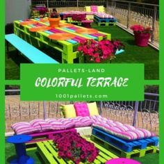 Terrific idea for a gorgeous-looking pallet patio deck on the cheap. Made with 25 repurposed pallets, and around 40 bucks for the various supplies. Pallet Patio Decks, Pallet Lounge, Patio Bar, Pallets Garden, Pallet Walls, Pallet Beds, Pallet Furniture, 1001 Pallets, Wooden Pallets