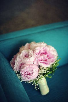 Peony Bouquets - Wedding Articles