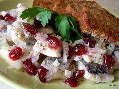 Śledzie w oleju z cebulą i żurawiną | Smaczna Pyza Fish Recipes, Baked Potato, Camembert Cheese, Good Food, Potatoes, Chicken, Baking, Breakfast, Ethnic Recipes