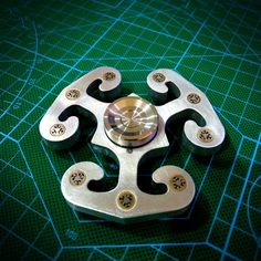 Yomaxer  Stormrage Znalloy Spinner with Mosaic Rivet ADHD Focus EDC(M17116)
