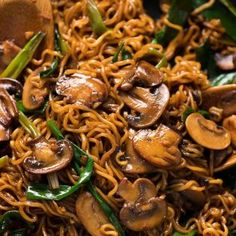 Meet your new favourite ramen noodle recipe - Asian Mushroom Ramen Noodles! Simple, fast and extremely tasty, this is a versatile side dish for any Asian food. This is the mushroom version of the Beef and Chicken Vegetable Ramen Vegetarian Recipes, Cooking Recipes, Healthy Recipes, Healthy Mushroom Recipes, Vegetarian Ramen, Healthy Food, Recipetin Eats, Recipe Tin, Asian Cooking