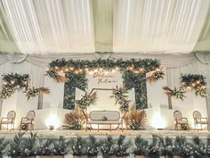 Wedding Backdrop Design, Wedding Stage Design, Wedding Reception Backdrop, Indoor Wedding Decorations, Backdrop Decorations, White Tent Wedding, Wedding Drawing, Mariage, Party