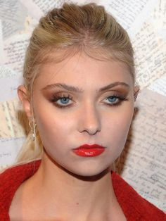 Taylor Momsen has FINALLY ditched the raccoon eyes #itsabouttime #makeup