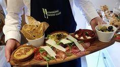 Enjoy the incredible Fine Dining experience in the Nest. Chef Gary is very passionate about cooking as you can see by his food! Hills And Valleys, North Devon, Unique Wedding Venues, Tree Tops, Fine Dining, Nest, The Incredibles, Cooking, Ethnic Recipes