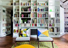 Une bibliothèque en guise de cloison