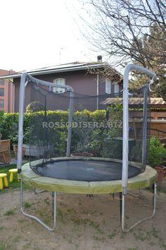 Tappeto elastico - trampolino da noleggiare per adulti e bambini. Trampoline to rent. www.rossodisera.biz