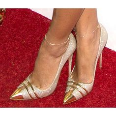 Tendance chausseurs : Description FSJ Golden and Sliver Glitter Pump Wedding Stiletto Heels Bridal Shoes Fall Fashion Outfit 2018 Elegant Wedding Shoes Chic Fashion Prom Shoes Street Style Edgy Street Style Photography Pumps Heels, Stiletto Heels, Gold Glitter Shoes, Glitter Gel, Silver Glitter, Glitter Force, Glitter Eyeshadow, Glitter Bomb, Metallic Heels