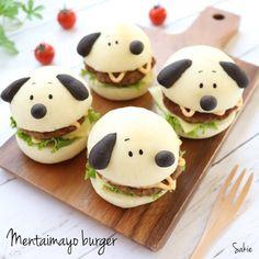 Instagram 上的 sakie:「 🍔生めんたいマヨバーガー🍔 * * こんにちは(๑ت๑)ノ * 先日のおうちランチ☀️🍴 かねふくさんのめんたいマヨを使って ハンバーガーを作りました(*ˊᵕˋ*)੭ ੈ マヨネーズに美味しい明太子が たっぷり20%も入ってるので ハンバーグやポテトと相性バッチリ♥️ * *… 」 Mini Burgers, Cute Desserts, Cute Food, Cakes And More, Creative Food, Food Presentation, Bento, Macarons, Food Art