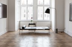 Altbauwohnung in Berlin - leuchtend-grau.de #Apartment #White #Interior #Minimalism