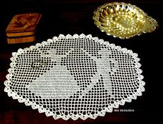 Romantic Couple Doily  Filet Crochet Lace by RSSDesignsInFiber @rssdesignsfiber