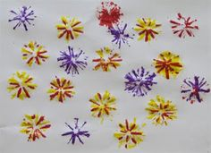 Painting with cut straws ! Fun-looks like fireworks. Could make a sky full of fireworks and collage a portrait looking up. Chinese New Year Activities, Chinese New Year Crafts, Toddler Art, Toddler Crafts, New Year's Crafts, Arts And Crafts, Easy Crafts, Painting For Kids, Art For Kids