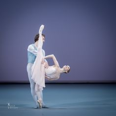 Evgenia Obraztsova and Semyon Chudin in Tchaikovsky PDD