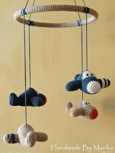 Avión bebé móvil  algodón orgánico  crochet avión  avión