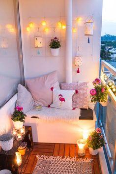 Balkon Ideen - Balkon gemütlich gestalten mit DIY Lampions aus Stickrahmen