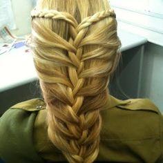 Šukuosenos kita > Kirpėja / Šukuosenų modeliuotoja Plaukų fėja > Wow www. Braided Hairstyles Updo, Elvish Hairstyles, Medieval Hairstyles, Cool Hairstyles, Hairdos, Braided Updo, Princess Braid, Tribal Hair, Long Hair Tips