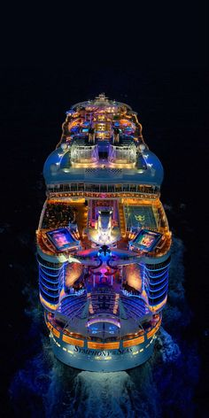 Symphony of the Seas, a perception remixing, memory maxing mic drop. Our newest, biggest cruise ship with all the greatest hits, plus revolutionary new firsts. Royal Caribbean Logo, Cruise Tips Royal Caribbean, Caribbean Drinks, Caribbean Food, Biggest Cruise Ship, Best Cruise Ships, Cruise Ship Pictures, Bateau Yacht, Caribbean Cruise