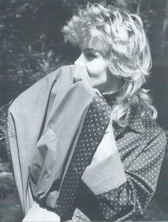 Inhaling the wonderful smell of a rubber lined mackintosh ! Vinyl Raincoat, Mens Raincoat, Mackintosh Raincoat, Rain Cape, Rubber Raincoats, Raincoats For Women, Rain Wear, Rainy Days, Women Wear
