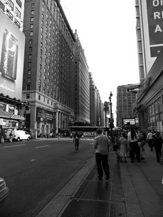 NY street Comic Book Artists, Comic Books, Street View, Nyc, New York, Comics, Humberto Ramos, New York City, Cartoons