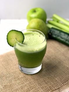 You can enjoy this green juice recipe any time of the year to help you get healthy. This juice includes celery, cucumber, green apple and pear. Fresh Turmeric, Green Juice Recipes, Cold Pressed Juice, Variety Of Fruits, Juicy Fruit, People Eating, Food Pictures, Natural Health, Healthy Recipes