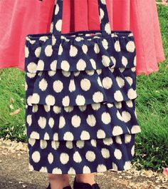 Ahhh! This is my kind of blog entry! 10 tote tutorials?!? I am the purse lady - what a satisfying find :)