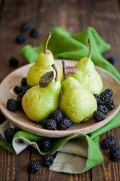 Pears and Blackberries!!  And totally acceptable on the 5:2 Diet http://www.gabrieladias.com/2013/05/the-52-diet/