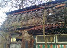 2012 Zelhem foto Heleen van Zantvoort Abandoned Houses, Cabin, House Styles, Home Decor, Abandoned Homes, Decoration Home, Room Decor, Cabins, Cottage