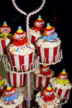 Ahhh!!!  I love these little clown cupcakes! From the wrappers to the clown cupcake picks - this one is a winner!!!