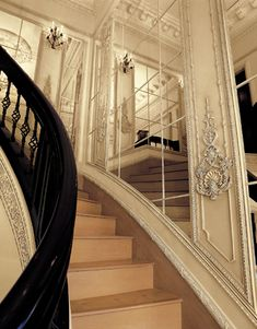Example E-JP Weaver Architectural Ornaments for Interiors Luxury Staircase, Staircase Railings, Staircase Design, Classic Interior, French Interior, Stair Walls, Stairs, Beautiful Architecture, Architecture Details