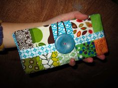 Fabric wallet with instructions from Instructables. #sewing